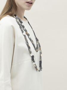 medium squares matte necklace