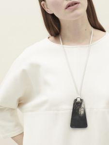 trapeze zip pendant